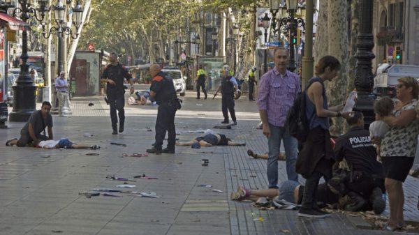 atropello-muertos-decenas-heridos-ramblas_1054705062_132980457_667x375